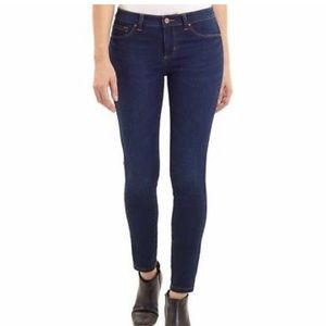 8 / 29 Jones New York Essex Skinny Jeans